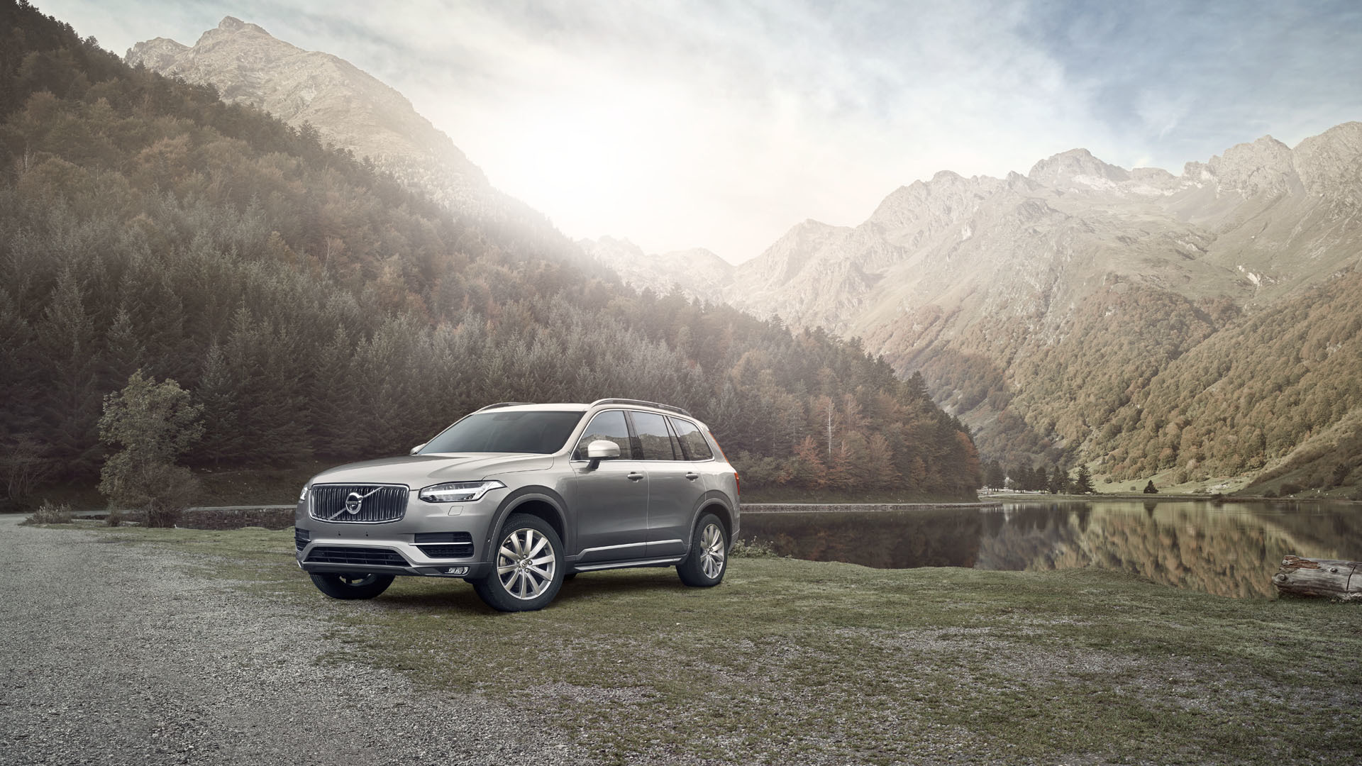 dw_1510_volvoxc90_spain_lakeside_fnl_lay_rgb_1920pxl